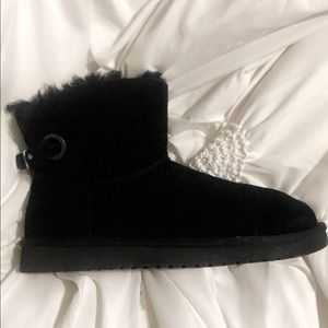 short boot kookaburra by UGG brand new